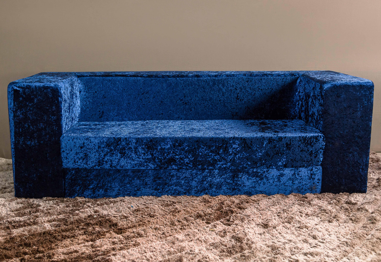 Sofá de veludo azul - Linhas Retas
