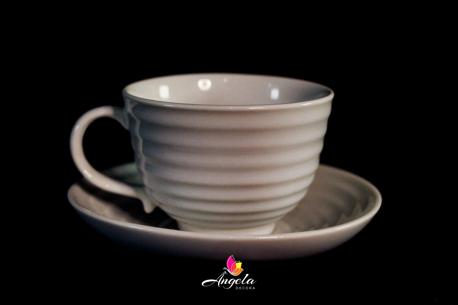 Xícara de porcelana para Chá com Píres