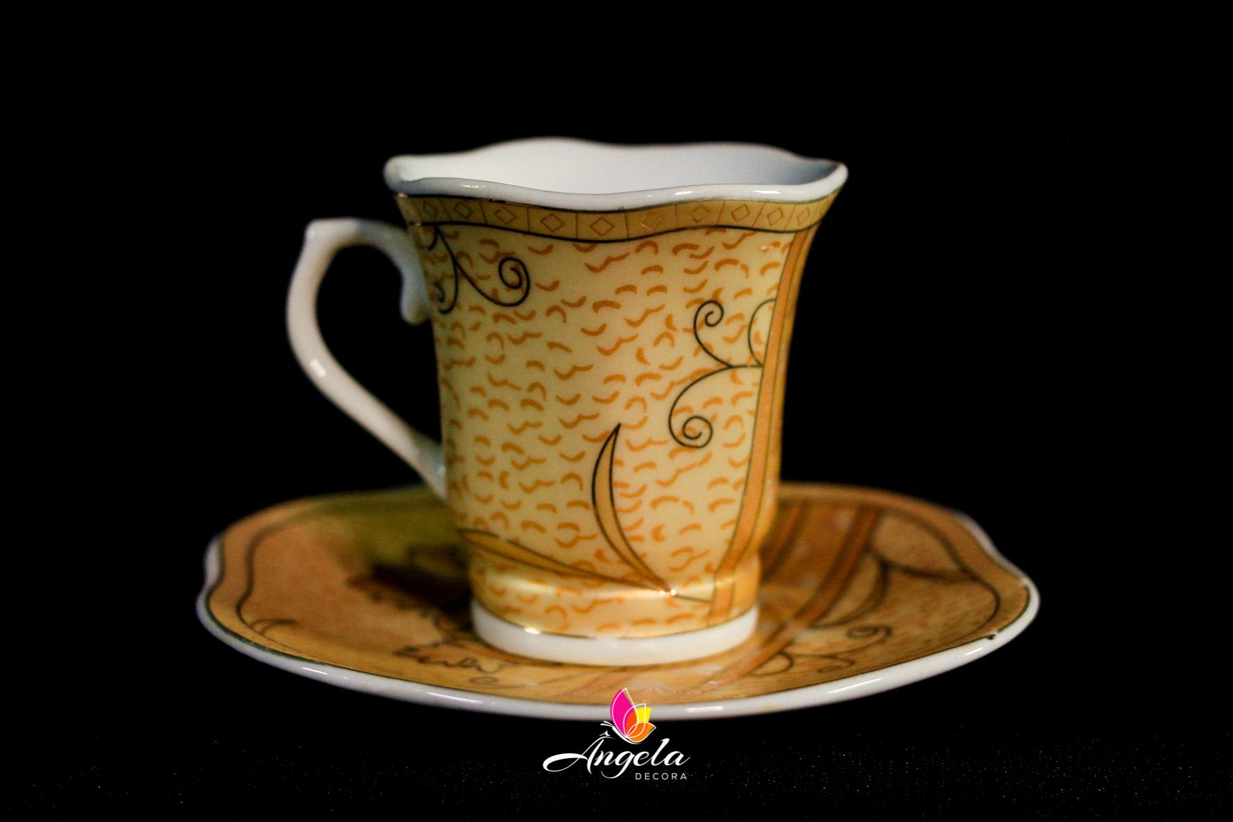 Xícaras de Café | Detalhes em arabescos