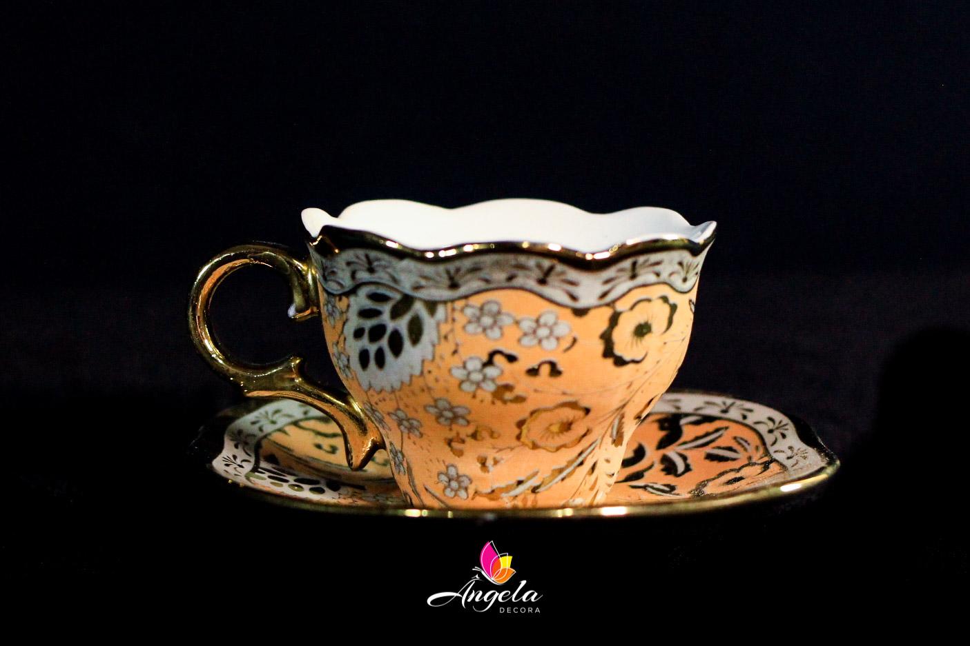Xícaras de café | Detalhes em ouro